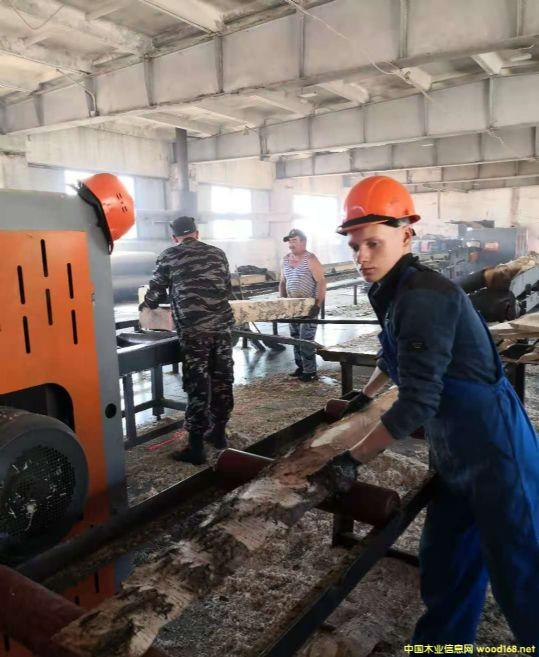 俄罗斯工厂员工大图片