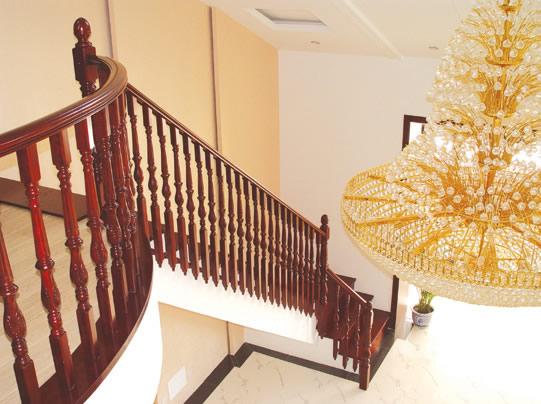 雅典实木楼梯图片