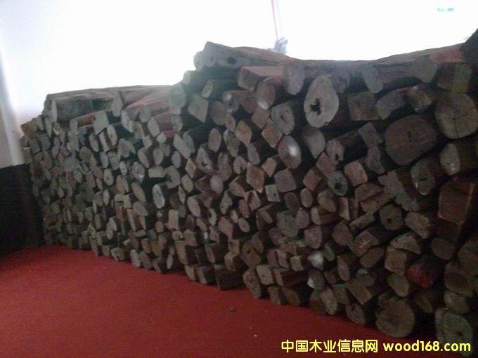 老挝大红酸枝(老红木)1.5-2米的详细介绍
