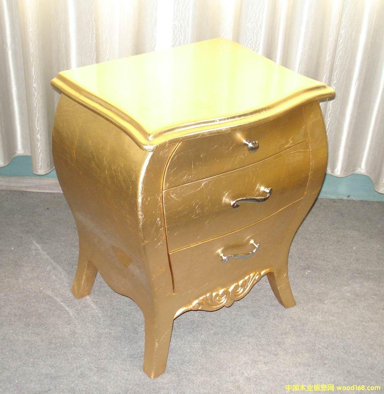 金箔雕花床头柜