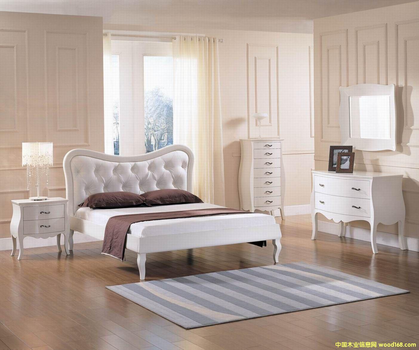 白亮光床组
