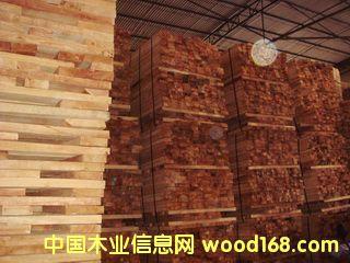 橡胶木板材仓库成品图片