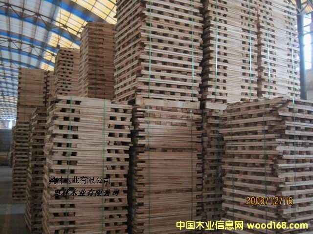 进口橡胶木板材