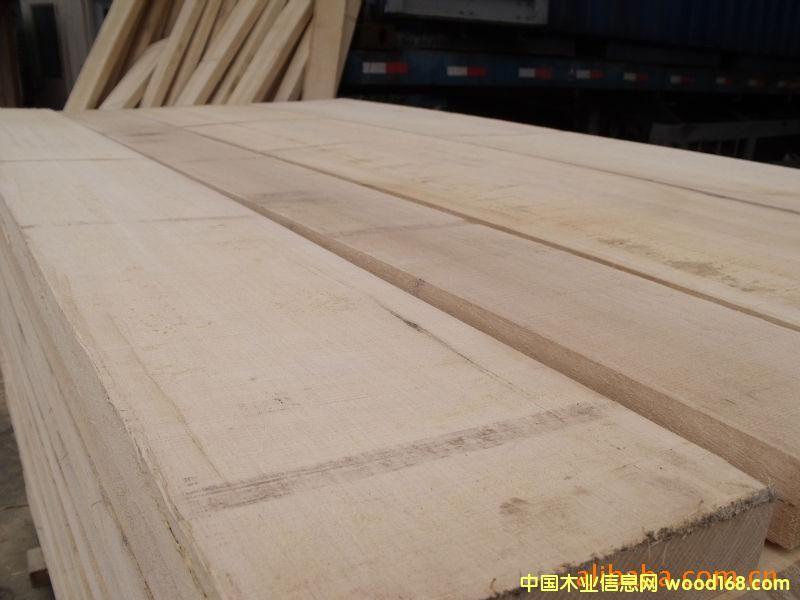 产品名称: 阿尤斯(非洲白木) 产品价格: 3850元/立方米 产品规格