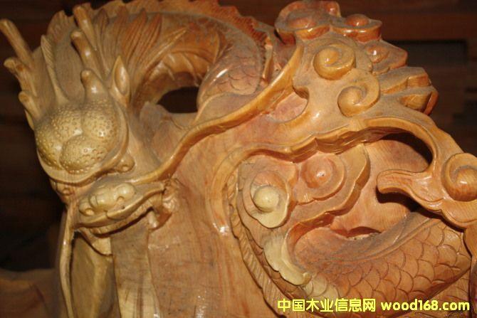 西藏察隅格林木业根雕