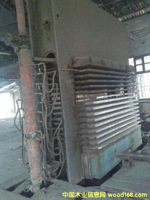 十五层上海人造板机器厂压机