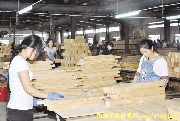 绥化北林龙腾木业提供就业岗位200多个