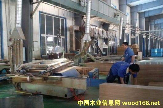 中国第一家胶合板厂铺开对俄出口路