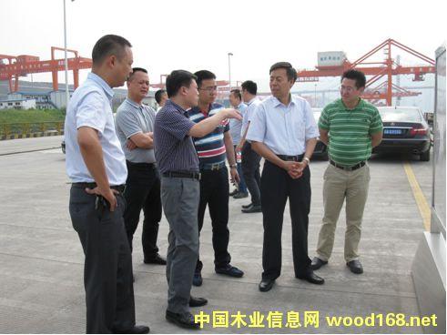 中木协木材进出口商分会考察重庆果园港及西部物流园