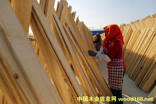 连云港木材加工业迎来旺季
