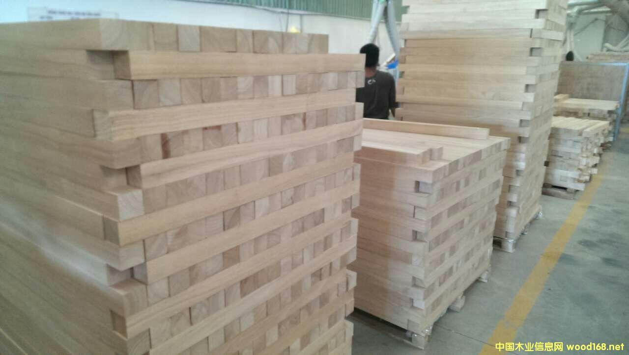 橡胶木立柱1
