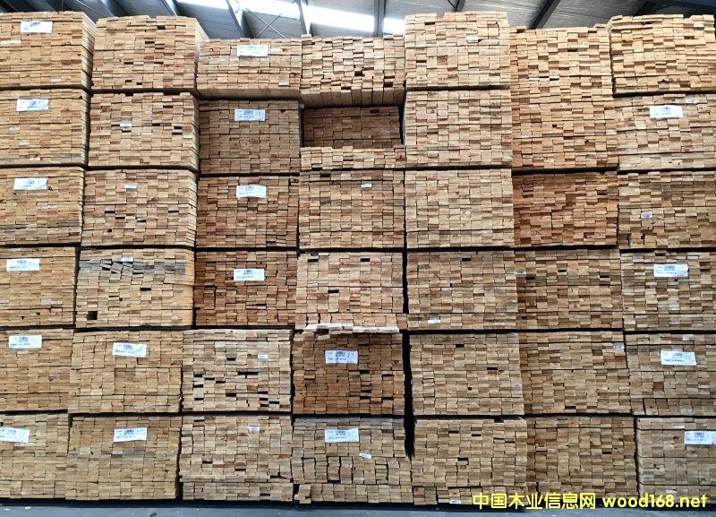 新西兰辐射松工业级优质锯材