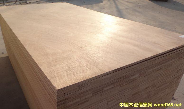 装修细木工板