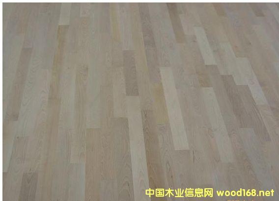 柞木体育地板