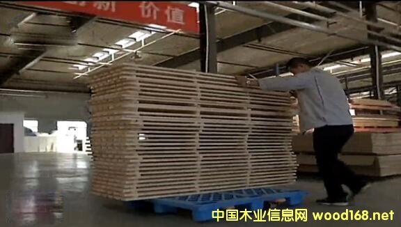乌兰察布市木材加工园区将边角料进行多次利用
