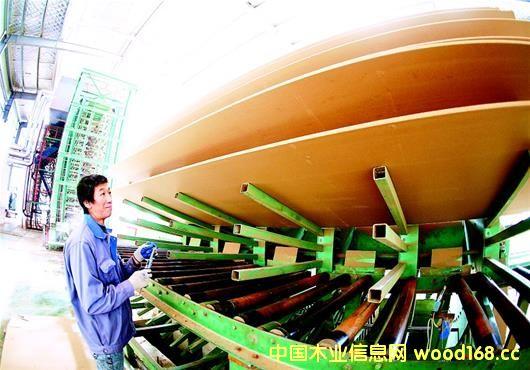 湖北东润木业检测纤维板生产线设备抢开工