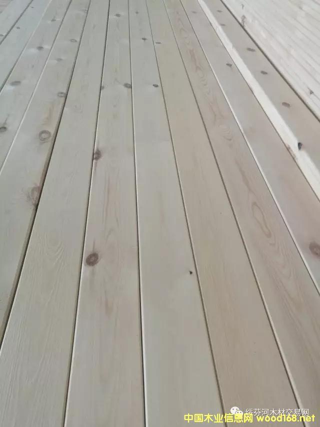 樟子松刨光床板15*85/90*4000mm