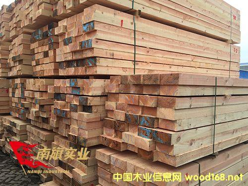 上海花旗松建筑木方厂家  美国花旗松木材价格
