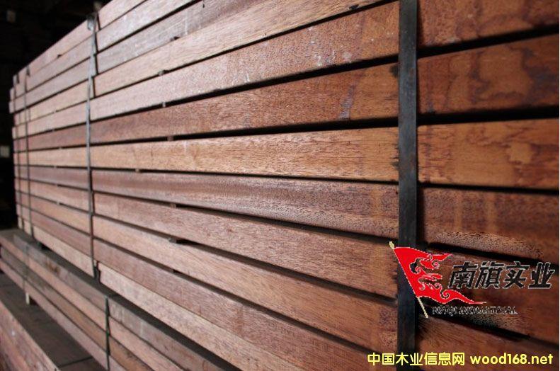 上海南旗印尼菠萝格木方批发