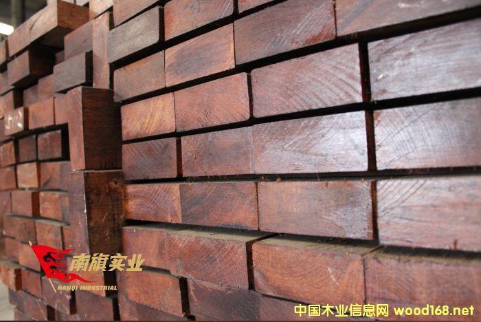 印尼菠萝格 菠萝格木材批发 菠萝格防腐木加工
