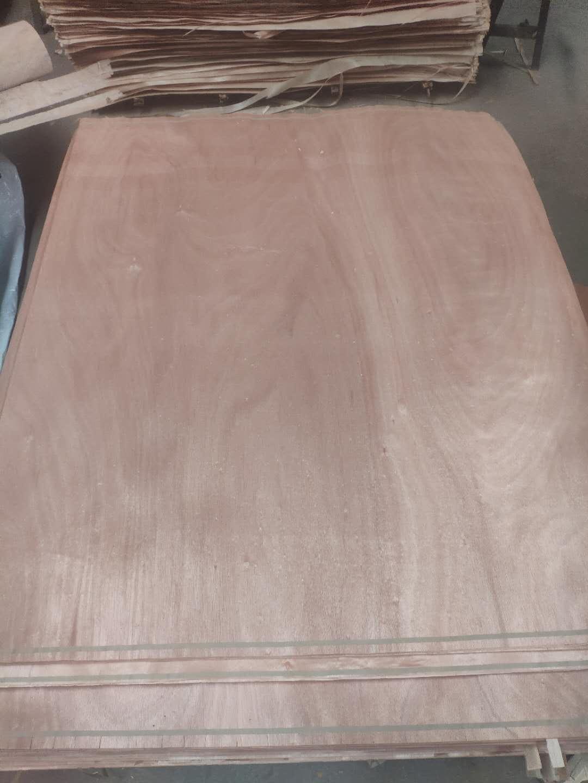 奥古曼桃花芯单板面皮的详细介绍