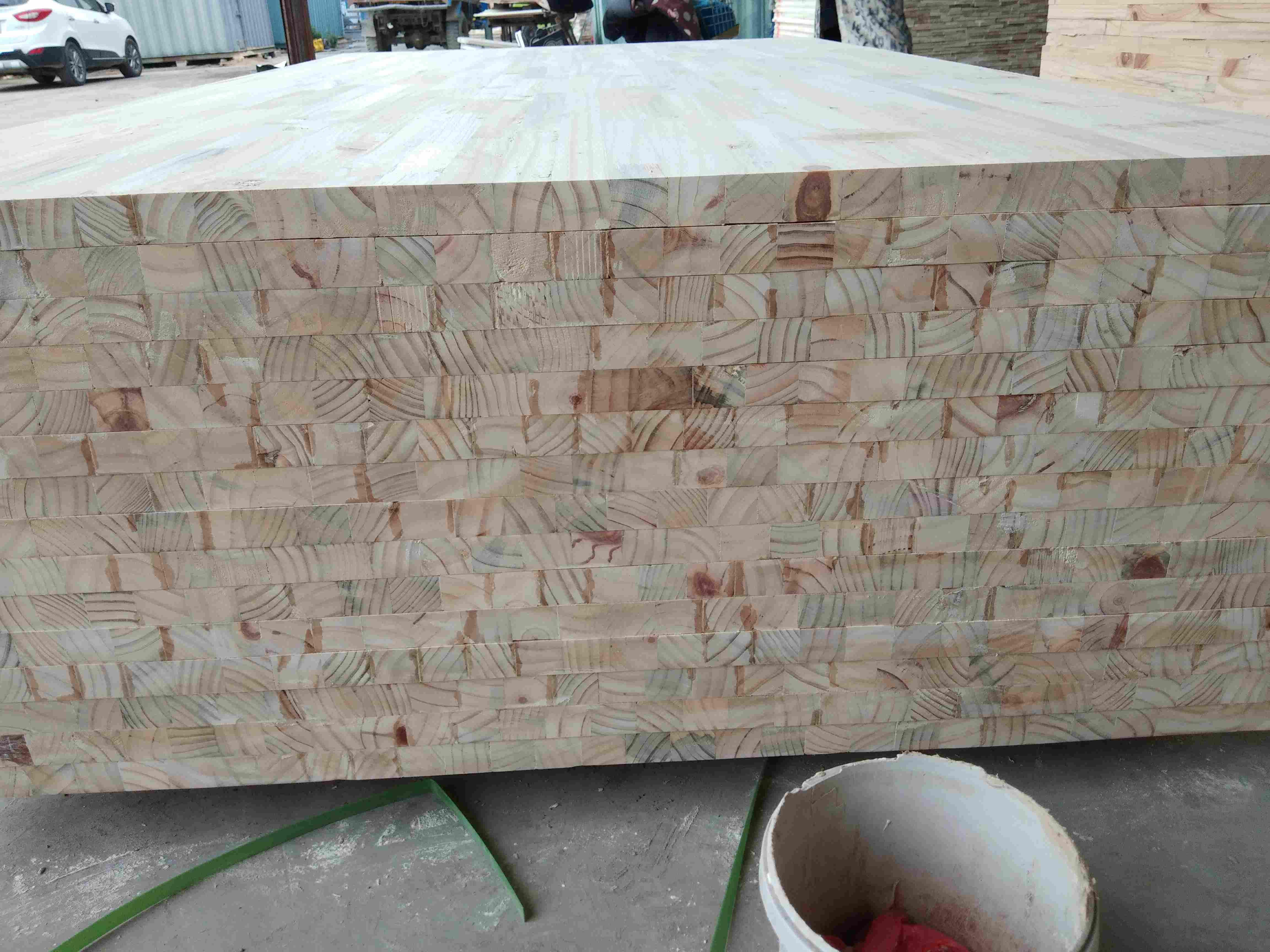 松木旧料齿接板