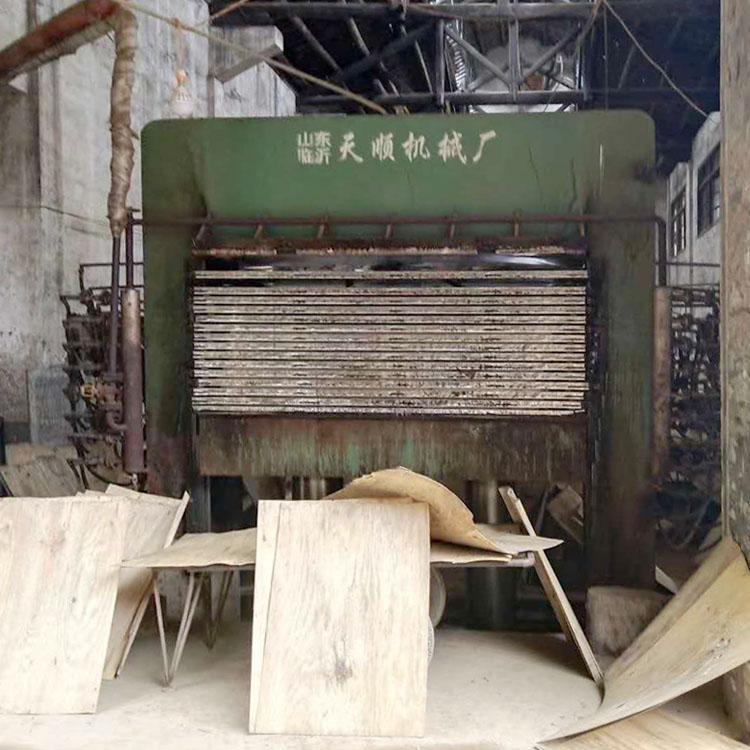 [供] 转让1套3x6尺建筑用木模板热压机等生产设备