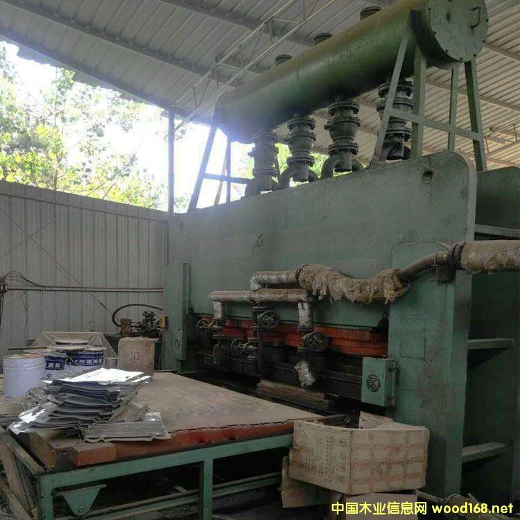无锡华盛4x8尺2600吨二手双贴面热压机