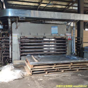 [供] 转让 江东18层自动装卸板热压机,压力1200吨
