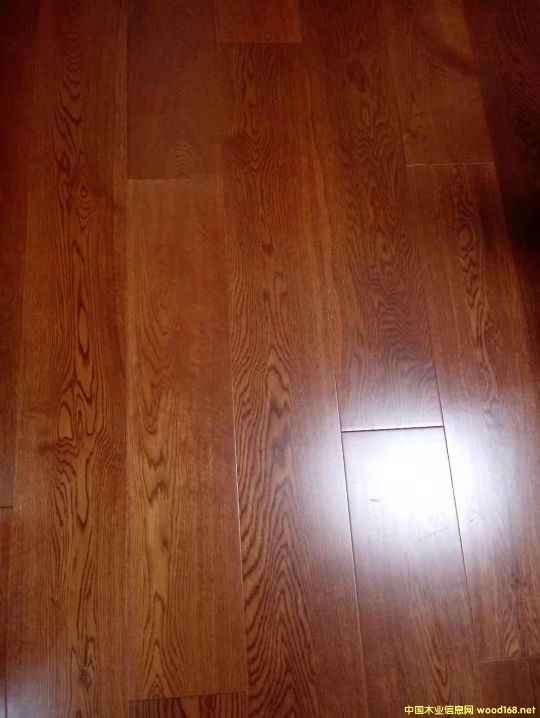 白橡实木复合地板 3.0mm面板