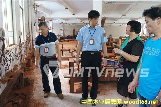 """广东江门一红木厂逃避安全检查 与执法人员""""躲猫猫"""""""