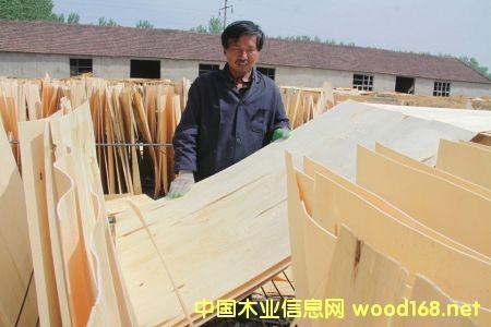 河南永城市陈集镇板材家具业130余家,年产值近2亿元