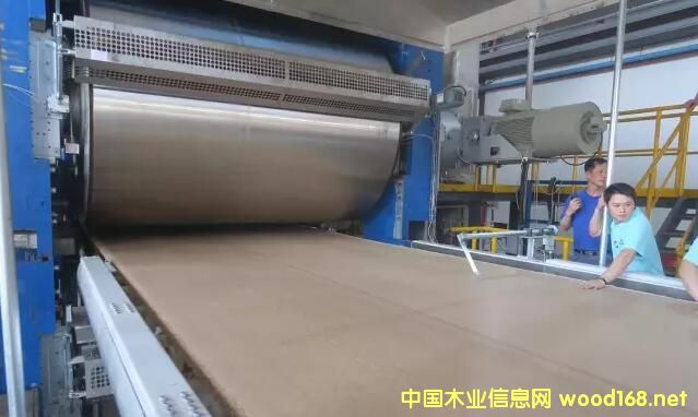 赣州爱格森刨花板生产线首板下线