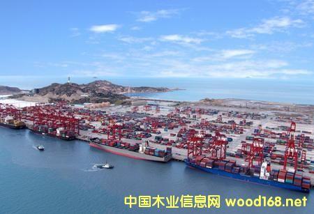 非洲木材港口:喀麦隆杜阿拉港口因雨季待运木材量低
