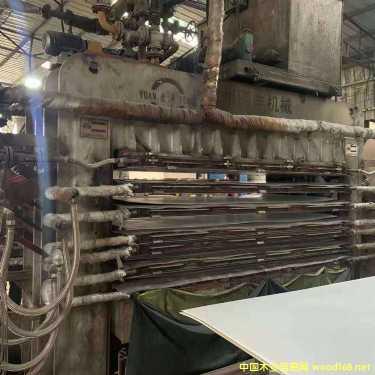 四八尺二手900吨圆丰快速贴面压机